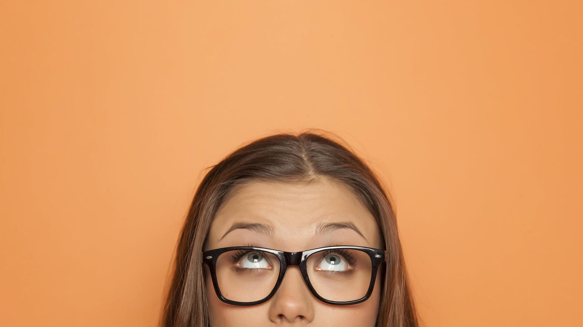 Learn how to choose glasses for thick or thin eyebrows.